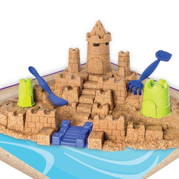 Cát biển và dụng cụ xây lâu đài