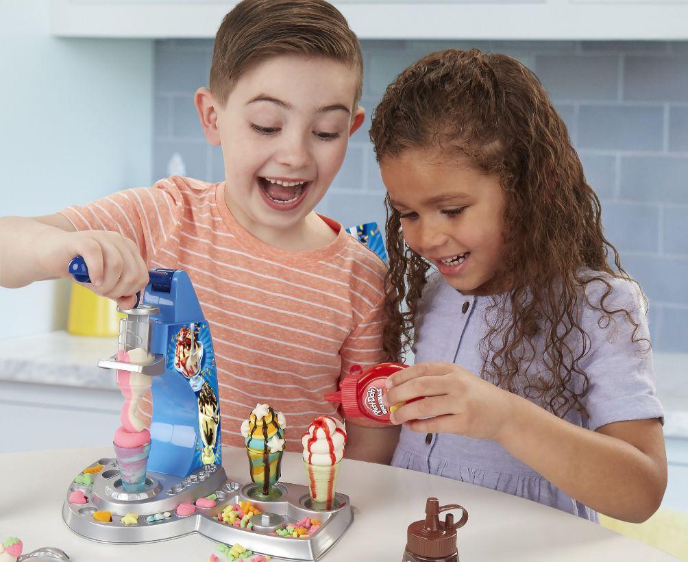 Điểm danh những lợi ích của đồ chơi bột nặn Play-Doh cho bé
