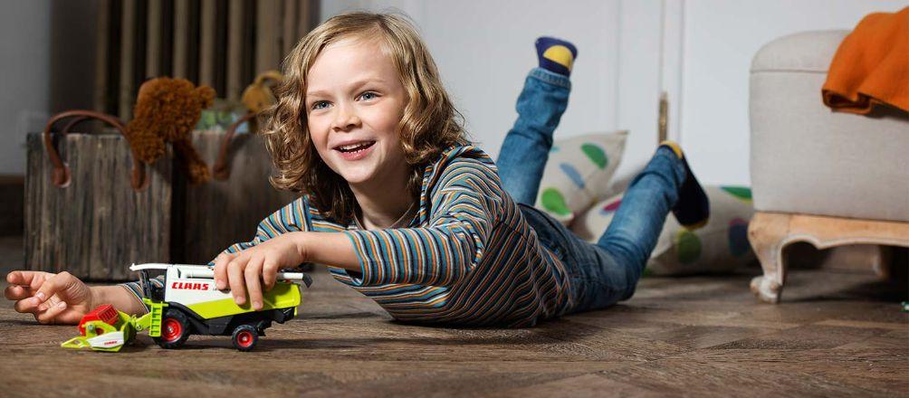 Vì sao bé trai lại mê ô tô? Tầm quan trọng của ô tô đồ chơi đối với sự phát triển của trẻ