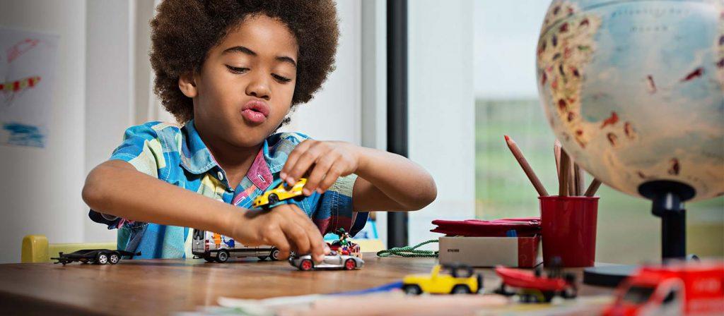 Tăng cường vận động và mở mang nhận thức cho bé yêu với xe đồ chơi Siku